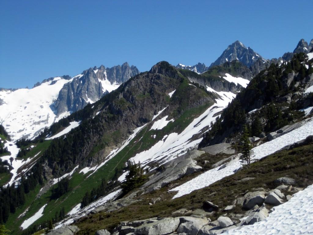 Craggy North Cascades Peaks