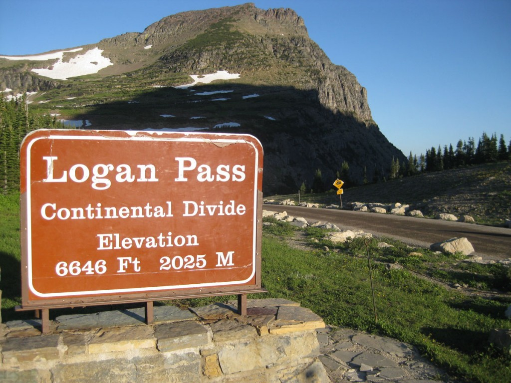 Logas Pass, start of the Highline Trail