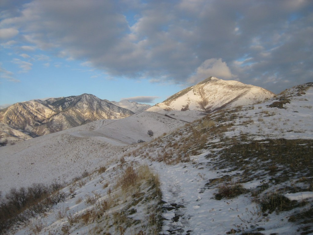 Little Black Mountain on right. Grandview Peak (which is on the list) to the left.