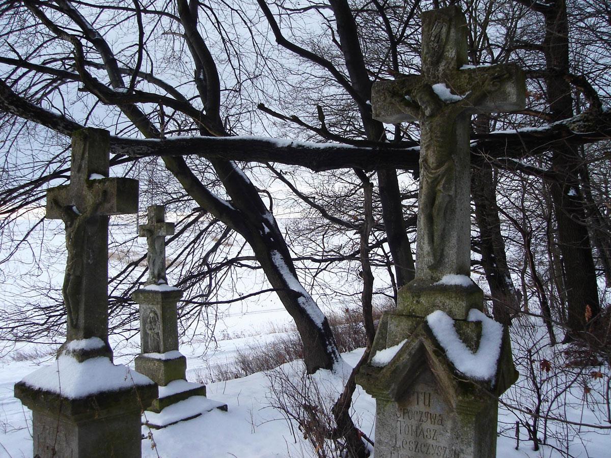 Graves in Polish.